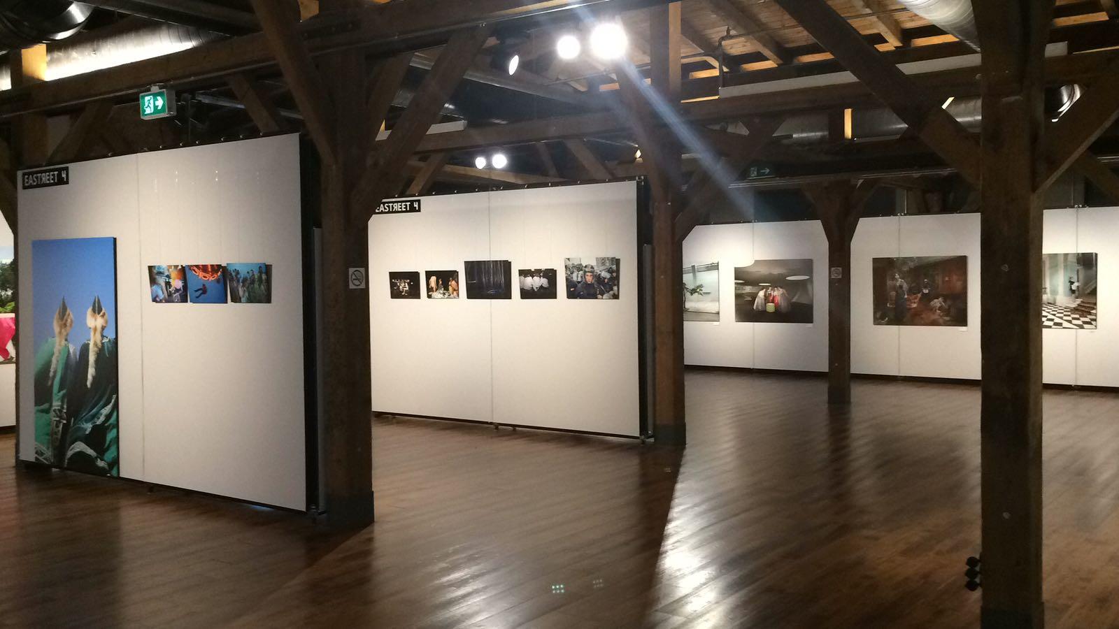 "Istanbul: art photography - Presentation with pila fabric ""212 Photography Festival"""