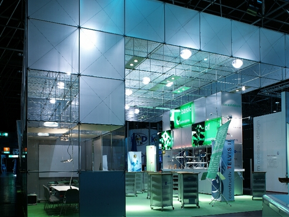 we presented the new exhibition and presentation systems pon                  and constructiv telvis at the EuroShop 2005 with great applause